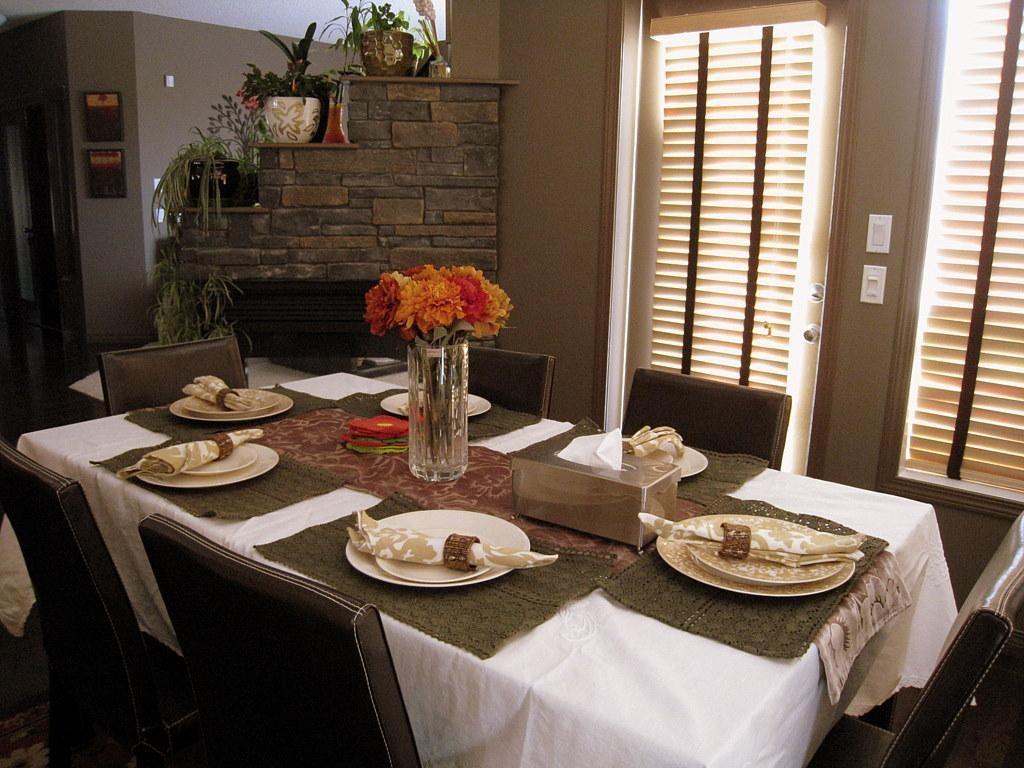 家庭餐厅餐具图片