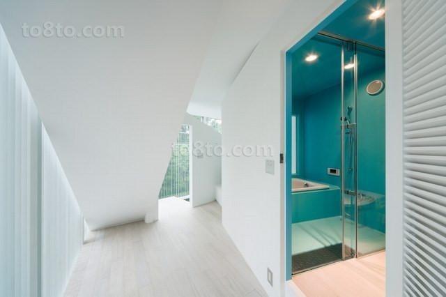 复式楼家庭卫生间装修效果图 蓝色迷人
