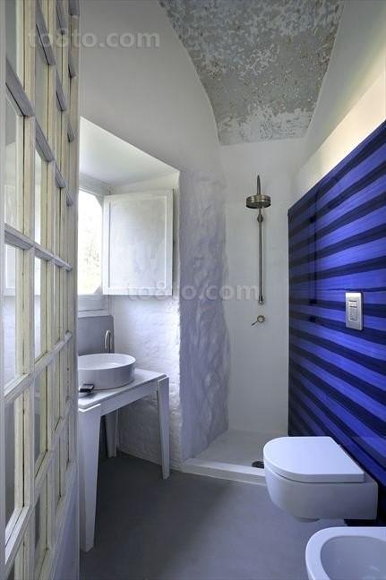 将复古与现代糅合的别墅厕所装修效果图大全