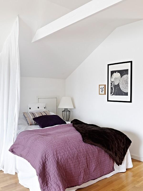 70平小户型紫色高洁的卧室装修效果图大全2012图片