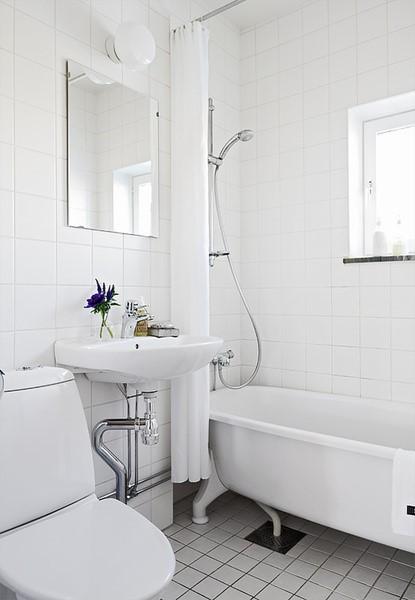 54平米紧凑型单身公寓卫生间瓷砖装修效果图大全2012图片
