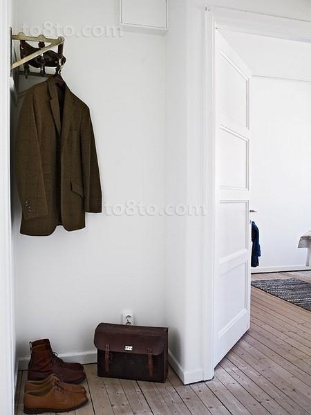 46平米简约小资单身公寓进门玄关装修效果图
