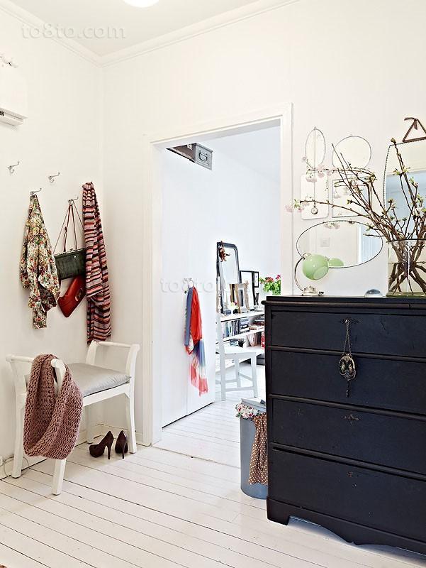 70平单身公寓玄关装修效果图大全2014图片