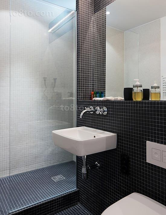 80平小户型现代卫生间瓷砖装修效果图大全2014图片
