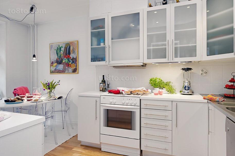 小户型白色厨房橱柜装修效果图