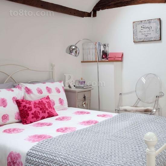 复式简约温馨卧室装修效果图