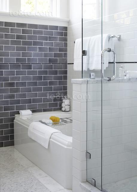 复式楼家庭厕所装修效果图