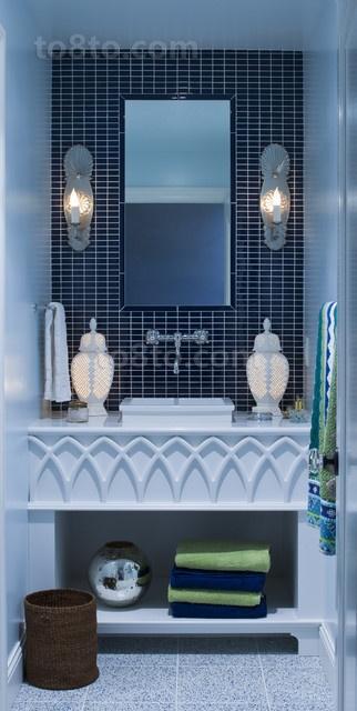 70㎡小户型蓝色瓷砖卫生间装修效果
