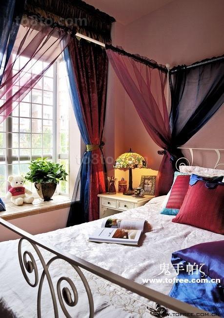复古的田园风格复式楼浪漫的卧室装修效果图