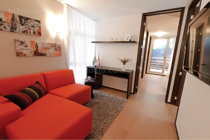 二室一厅装修效果图 简欧浪漫的红色沙发客厅