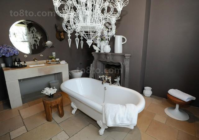 光彩夺目的维多利亚风格别墅卫生间装修效果图