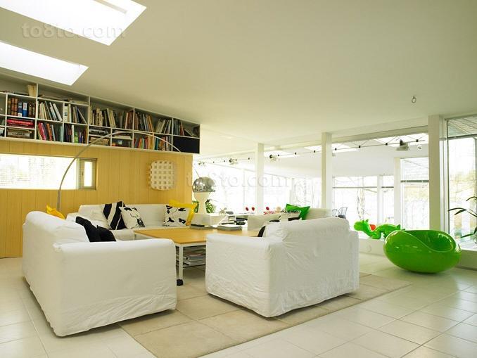 小户型青春动感的客厅装修效果图大全2012图片