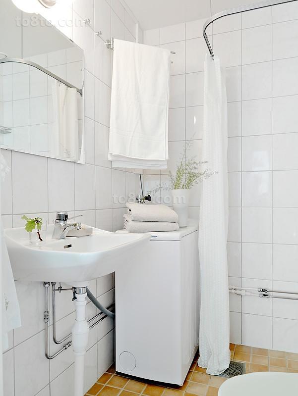 小户型干净的卫生间装修效果图