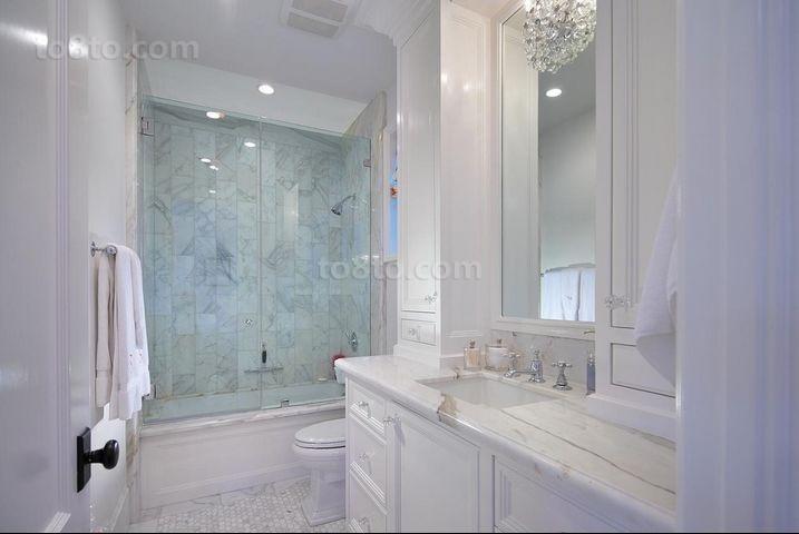 欧式高雅的复式楼卫生间装修效果图大全2014图片