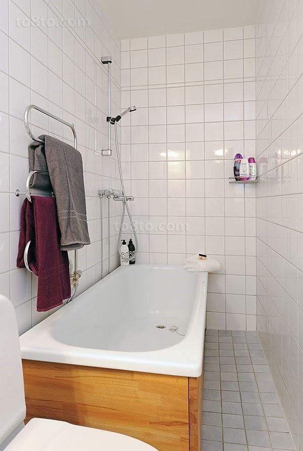 干净明亮的小户型卫生间瓷砖装修效果图大全2014图片