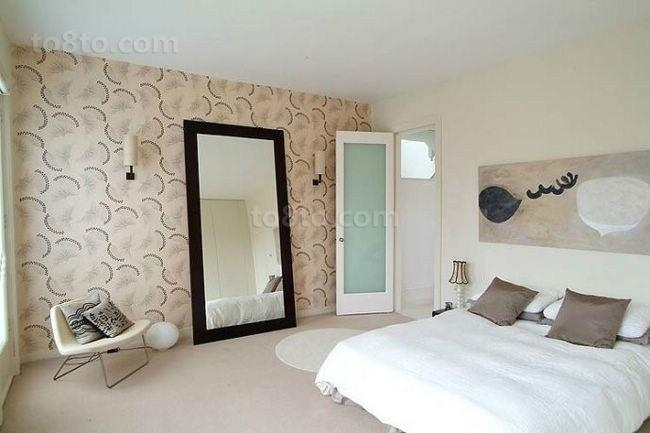 现代风格也有很清新的卧室装修图片