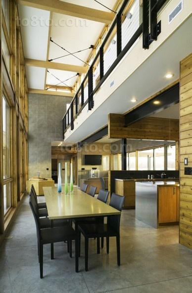 有很强的原木气息的现代风格餐厅吊顶装修效果图