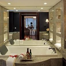 热门面积106平美式三居卫生间装修图片欣赏