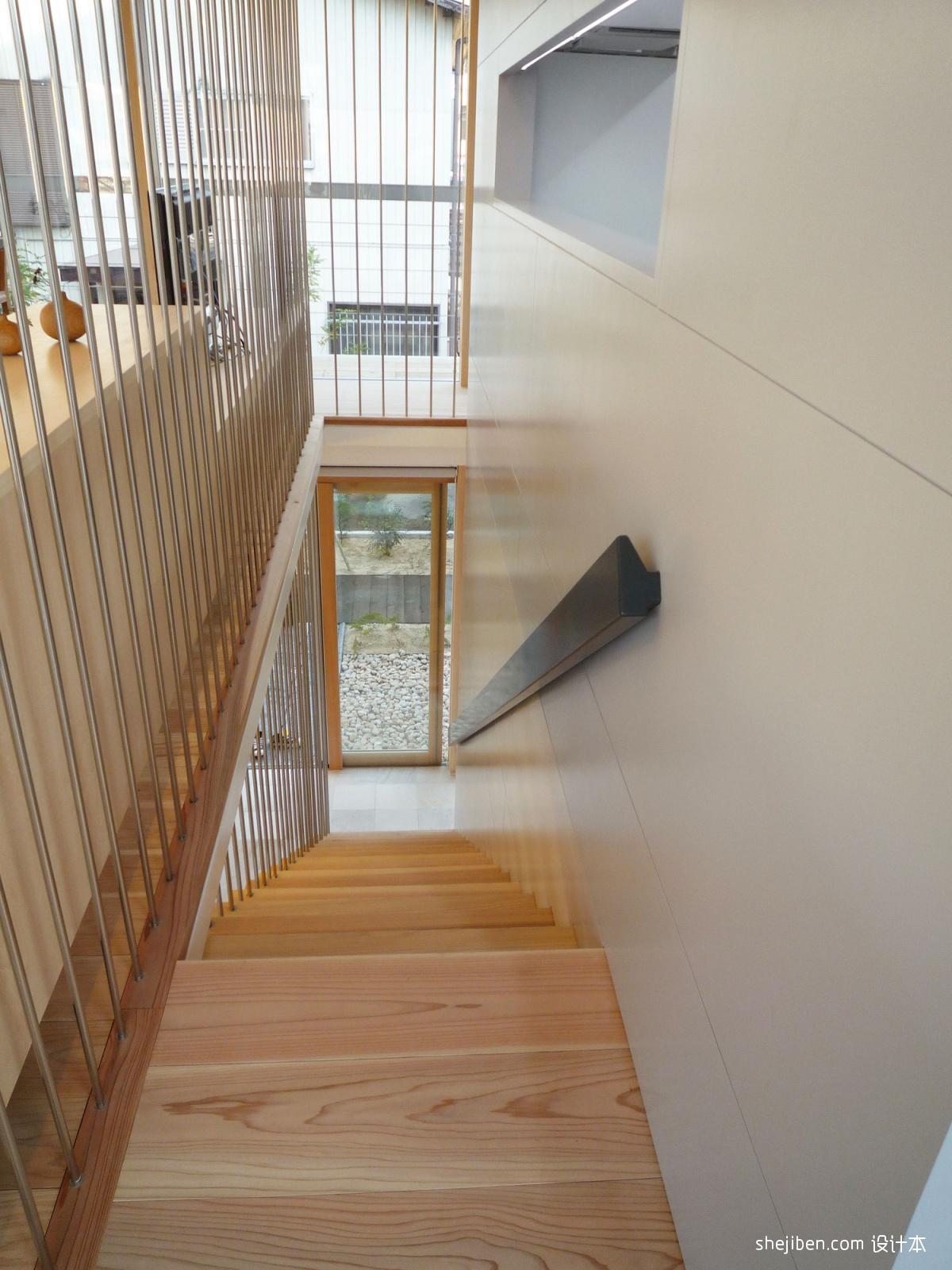 2018现代风格复式楼精品实木楼梯间装修效果图