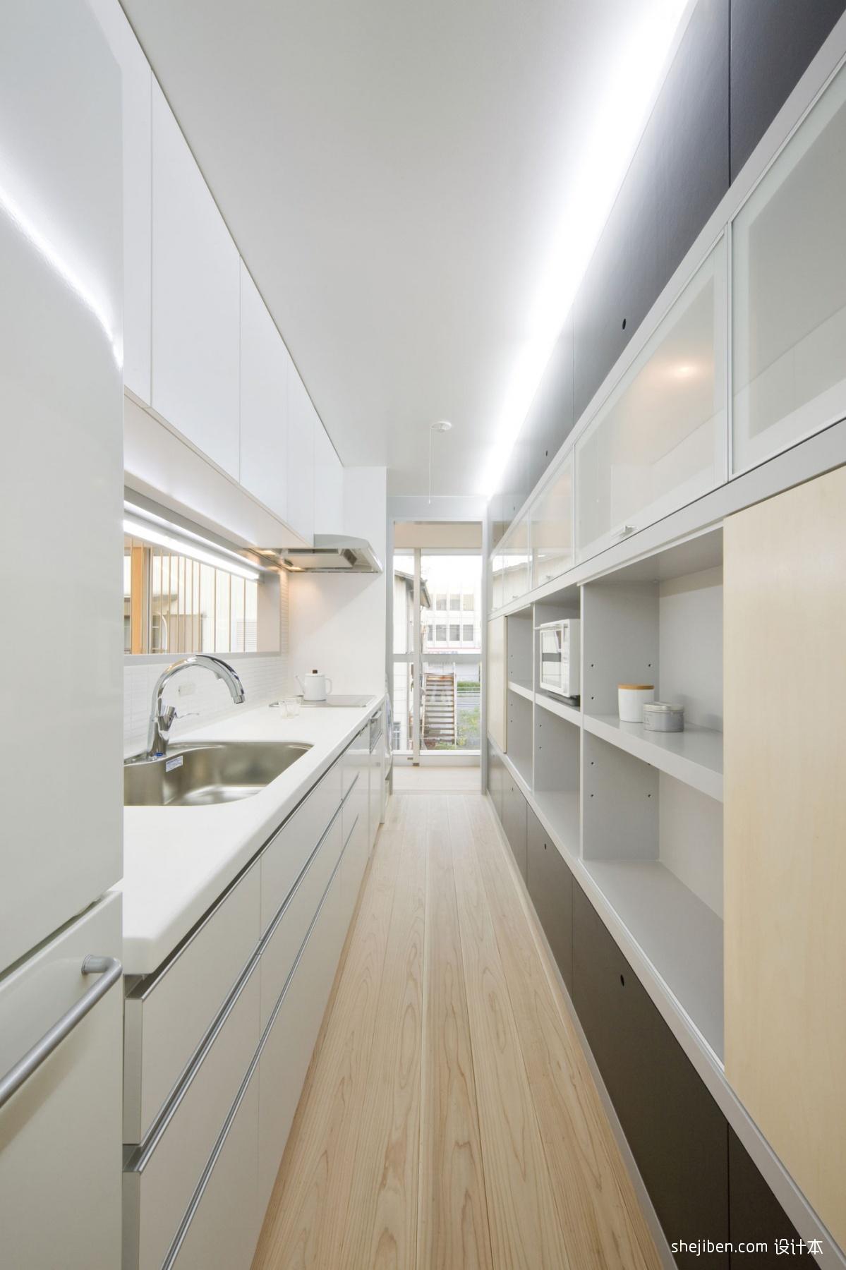2018现代风格白色橱柜厨房实木地板装修效果图