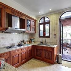 2018111平米中式别墅厨房装修实景图片