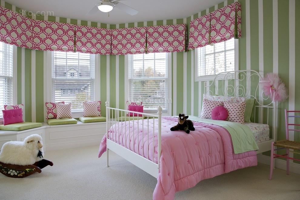 弧形卧室飘窗百叶窗帘
