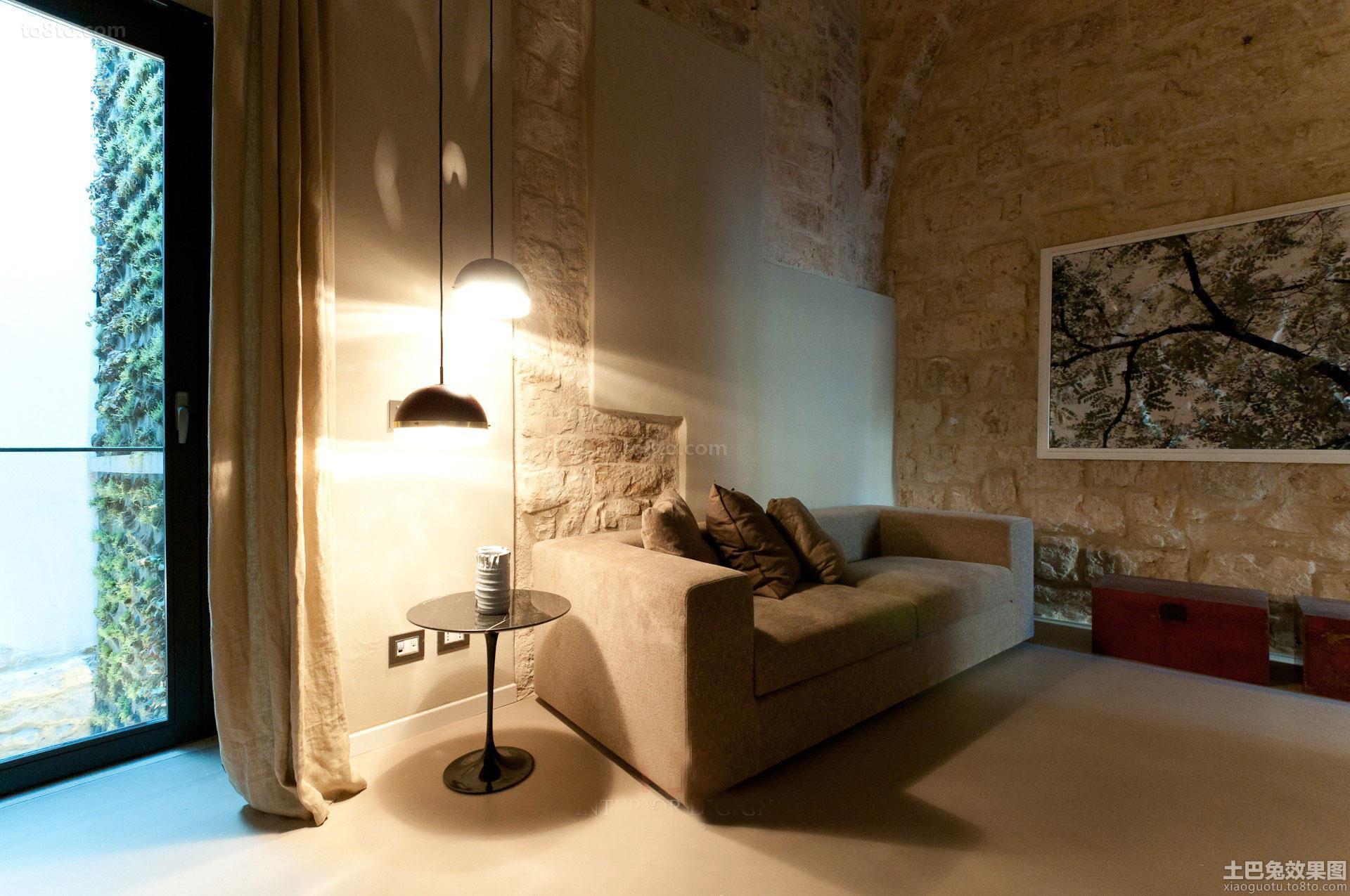 loft户型客厅沙发装修图