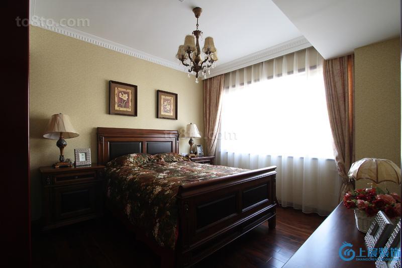 美式风格10平米卧室装修效果图