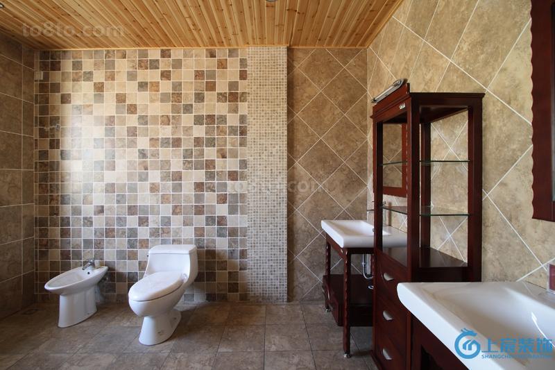 热门美式复式卫生间装修设计效果图片欣赏