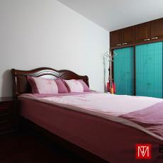 现代风格卧室床头柜效果图