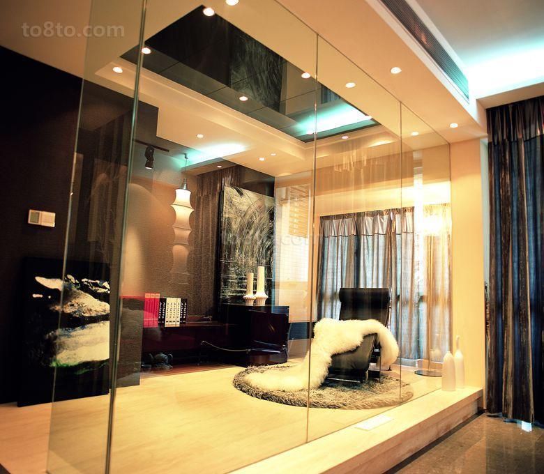 现代风格休闲区玻璃隔断装修效果图