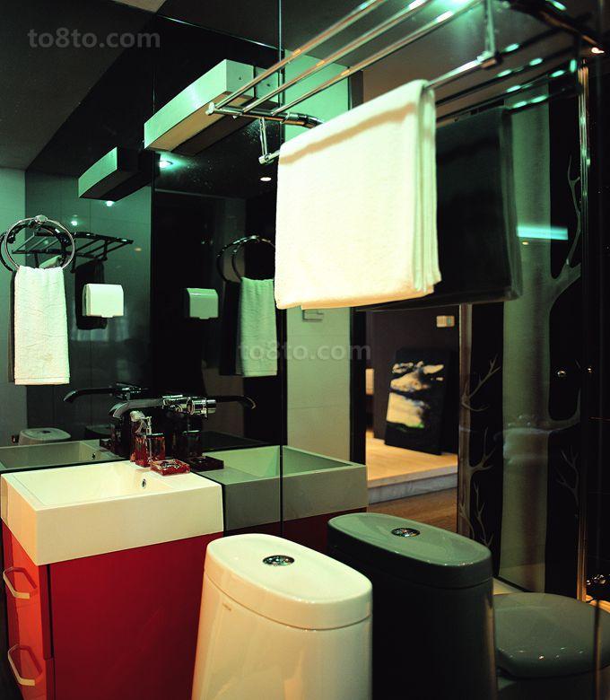 现代风格卫生间墙镜效果图