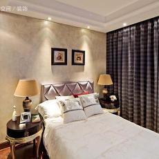 欧式风格卧室床头柜装修效果图