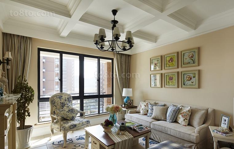 美式田园风格客厅沙发背景墙装修效果图