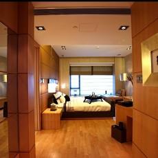 现代风格大卧室木地板装修效果图