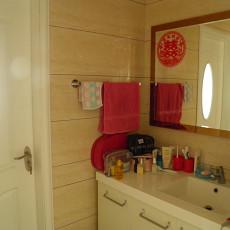 现代风格婚房卫生间装修效果图大全