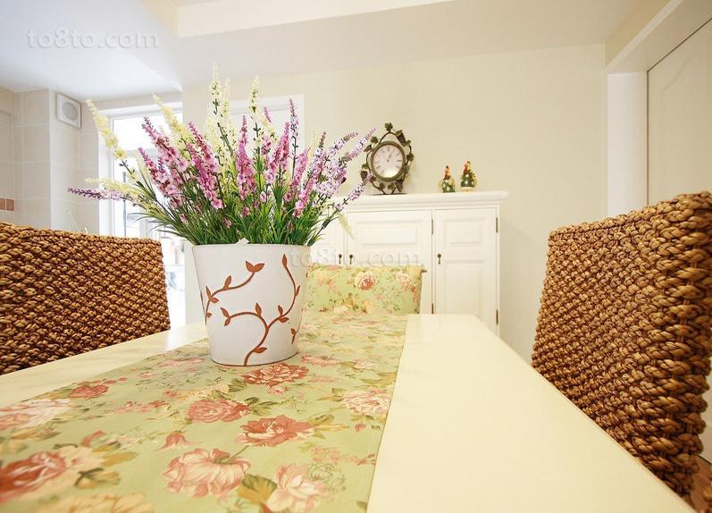 田园风格餐厅餐桌效果图