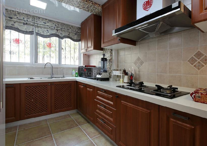 美式田园风格婚房厨房橱柜装修效果图