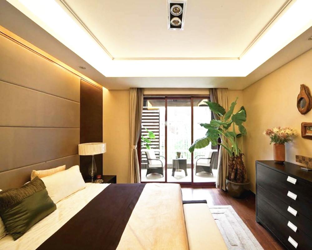 中式古典风格带阳台卧室装修效果图