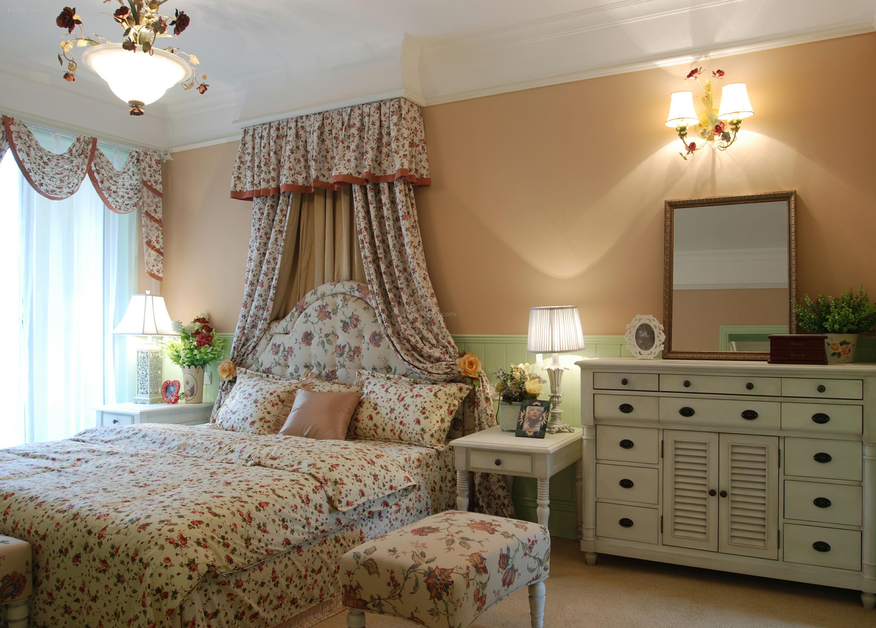欧式田园风格主卧室床头柜效果图