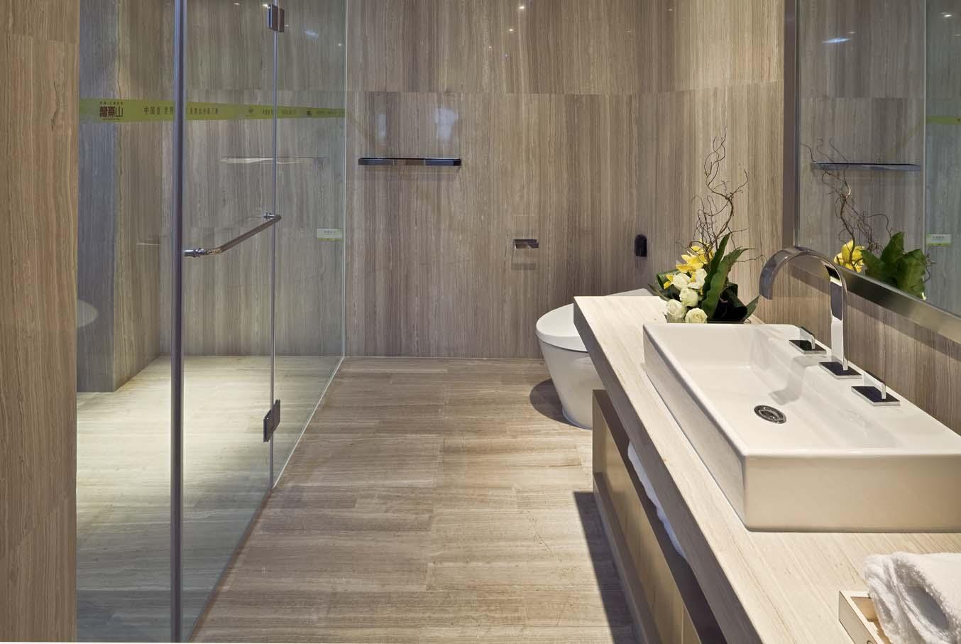 現代風格衛生間木質地面墻面裝修效果圖