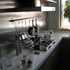 现代简约风格厨房厨具摆放效果图