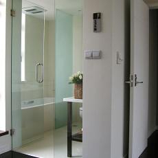 现代简约风格卫生间玻璃门效果图