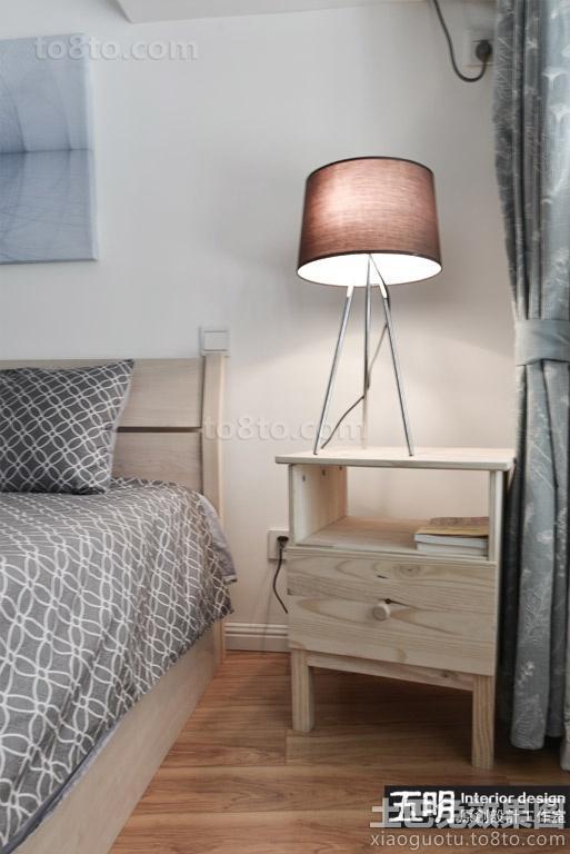 混搭风格卧室实木床头柜图片