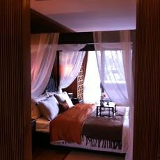 东南亚风格主卧室装修效果图欣赏