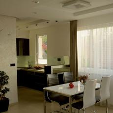 现代风格餐厅厨房装修效果图