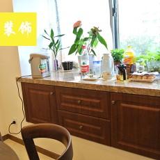 现代风格餐厅餐边柜大理石台面效果图