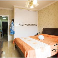 70平米二居卧室简约装修设计效果图