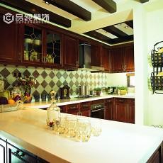 美式半开放厨房装修效果图
