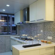 简约半敞开式厨房装修效果图